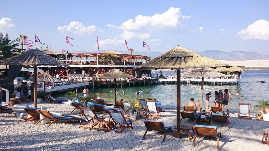 """Zrce Beach wordt ook wel """"Klein Ibiza"""" genoemd. Ik snap wel waarom!"""