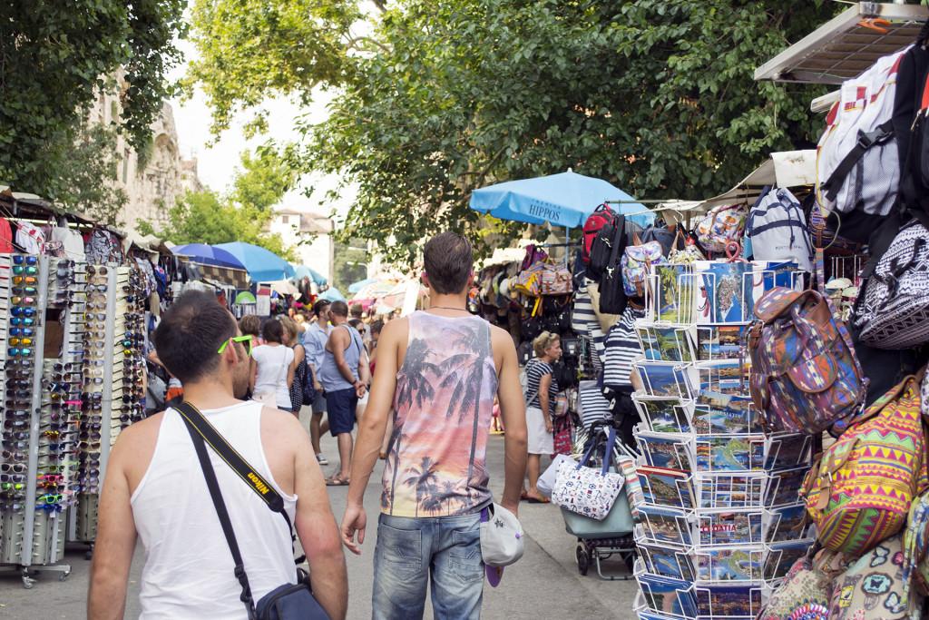 Je hebt er ook veel marktjes. Genoeg plek om souvenirs te kopen dus!