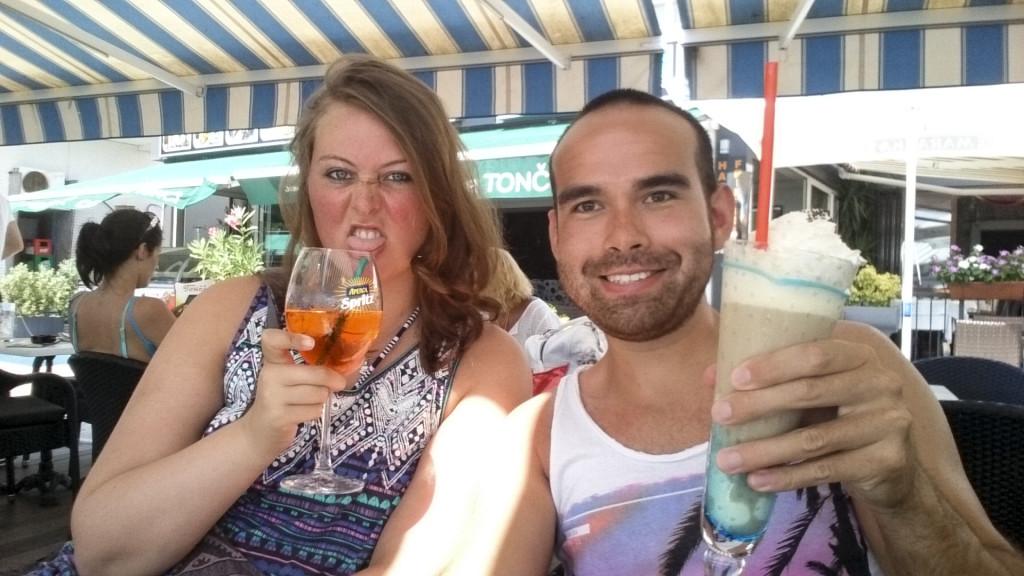 Ik heb ook eindelijk eens Aperol Spritz gedronken. GADVER! Wat een teleurstelling... Veel te bitter voor mij!