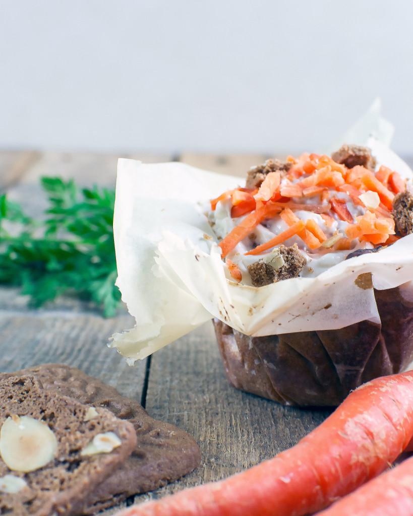 Wortel-pecan muffins