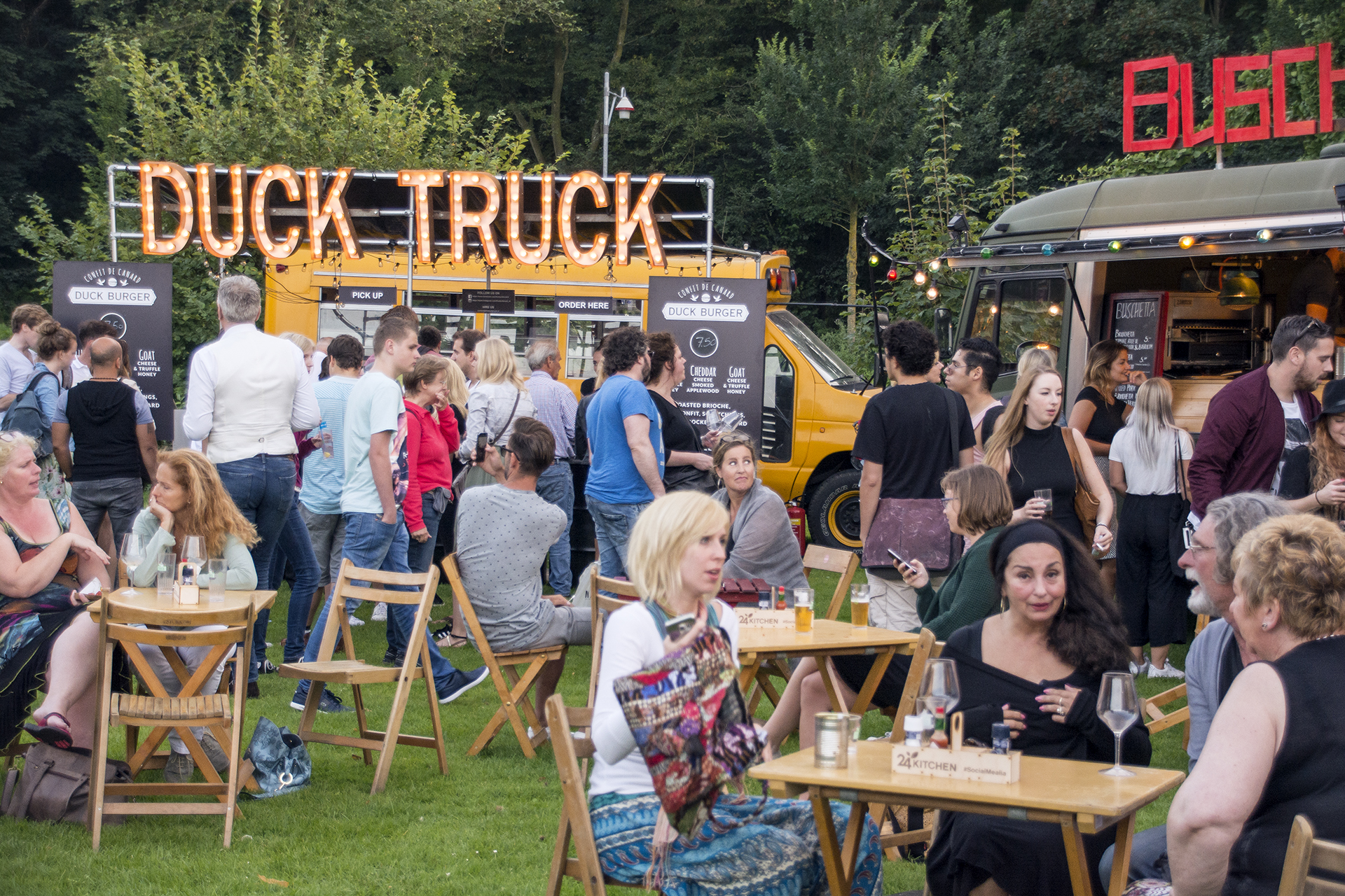 food truck festival trek den haag cozymess. Black Bedroom Furniture Sets. Home Design Ideas