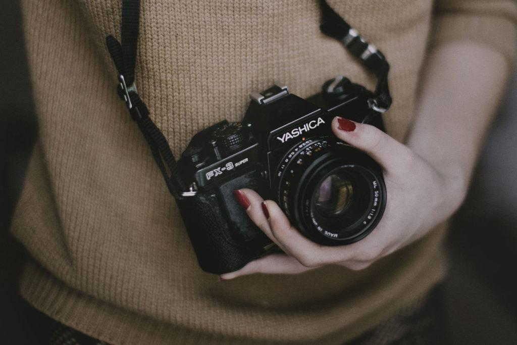person-woman-hand-camera-2